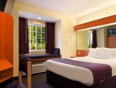 фото Microtel Inn & Suites by Wyndham Auburn 677404516