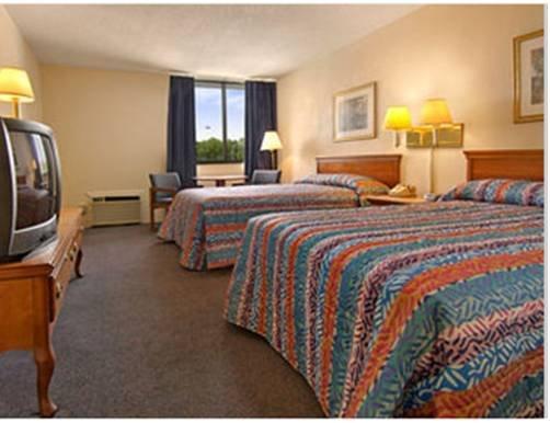 фото Candlelight Inn & Suites - Montgomery 677407131