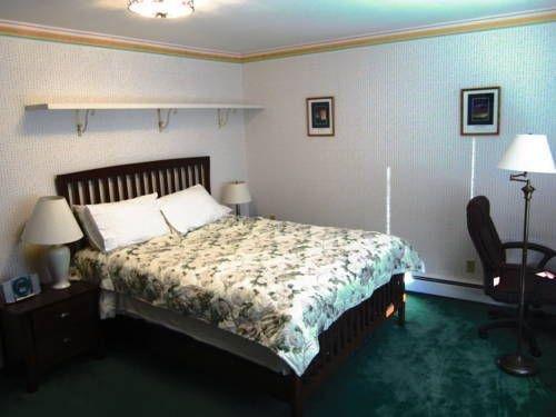 фото Golden Umbrella Bed & Breakfast 677409023
