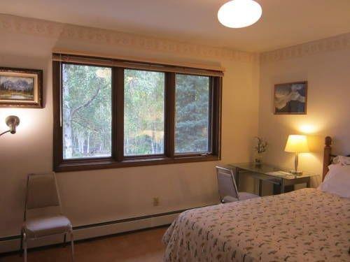 фото Golden Umbrella Bed & Breakfast 677409026