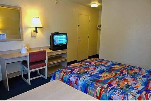 фото Motel 6 Phoenix North - Bell Road 677413459