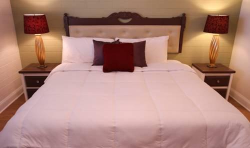 фото El Dorado Scottsdale, A Vacation Suites Hotel 677414334