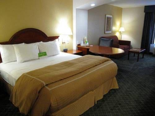 фото La Quinta Inn & Suites Bentonville 677417670