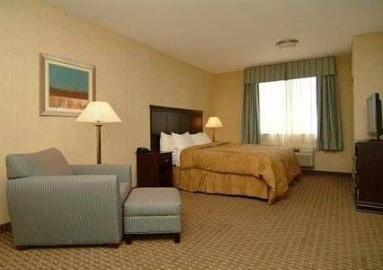 фото Comfort Inn & Suites 677419470