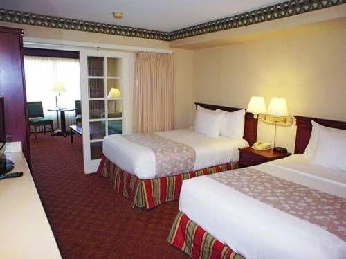 фото La Quinta Inn & Suites Anaheim Disneyland 677421402