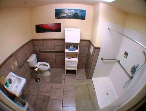 фото Big Bear Hostel 677423333