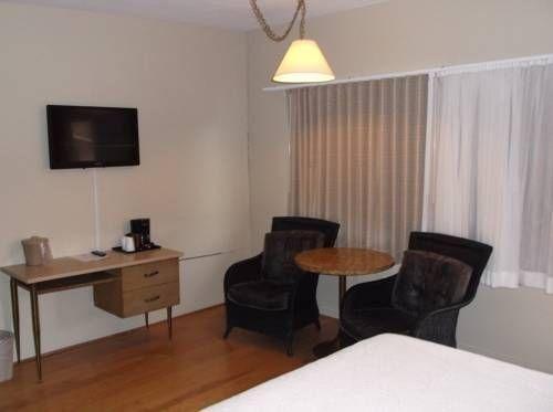 фото Cambria Palms Motel 677425110