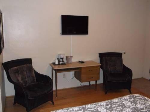 фото Cambria Palms Motel 677425111