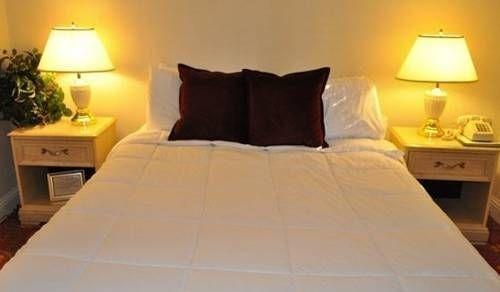 фото Carmel Resort Inn 677425861