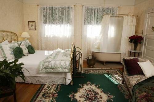 фото Vintage Towers Bed & Breakfast Inn 677427301