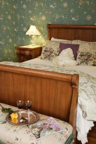 фото Vintage Towers Bed & Breakfast Inn 677427303