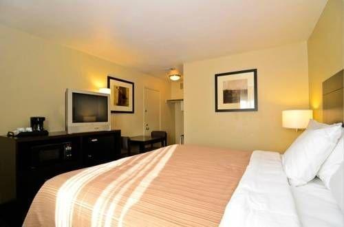 фото Quality Inn & Suites Escondido 677429326