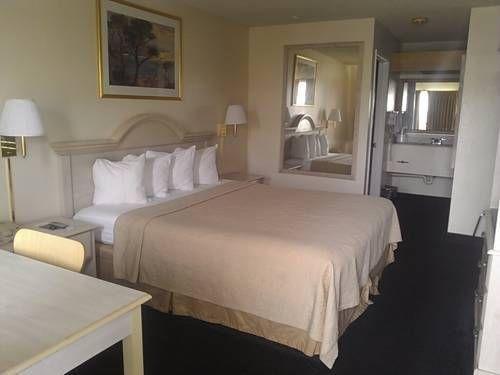 фото Motel 6 Fort Bragg 677429933