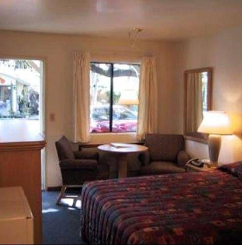 фото Kelseyville Motel 677432848