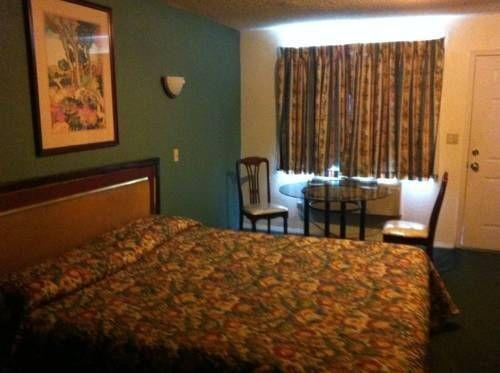 фото Royal Inn 677433945