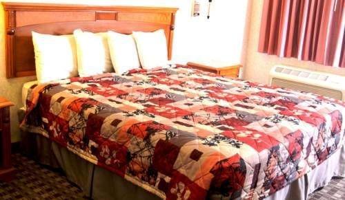 фото Sunburst Spa & Suites Motel 677436169