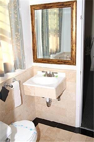 фото Trylon Hotel 677436462
