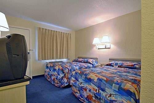 фото Motel 6 Lost Hills 677438148