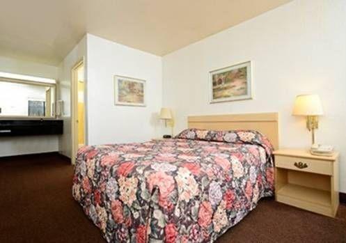 фото Rodeway Inn Martinez 677439273
