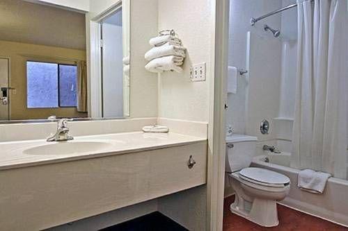 фото Motel 6 Modesto 677440025