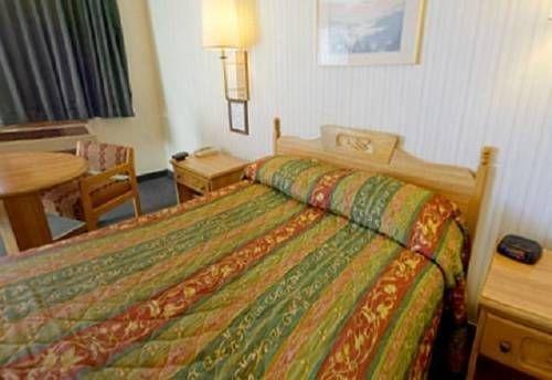 фото Americas Best Value Inn Mojave 677440171