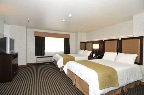фото Crestview Hotel and Suites 677441652