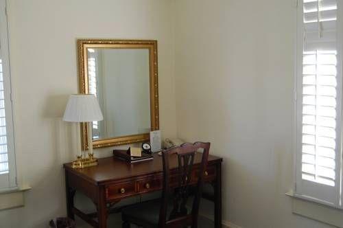 фото Cardinal Hotel 677446270