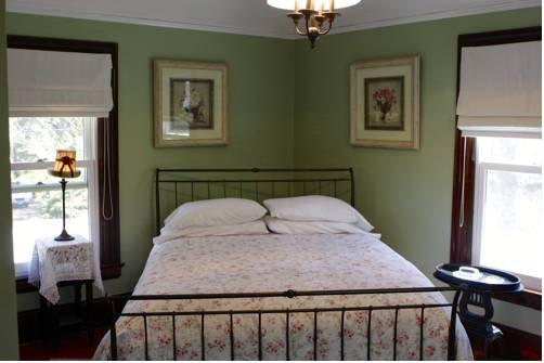фото Emily`s House Bed & Breakfast 677446603
