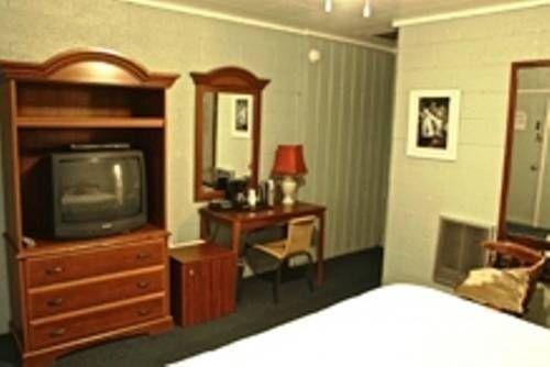 фото The Gateway Restaurant & Lodge 677447478