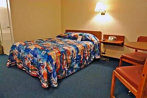 фото Motel 6 Redding North 677448093
