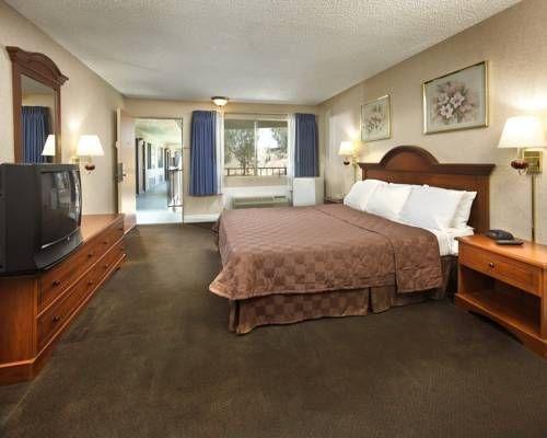 фото Motel 6 Redlands 677448237