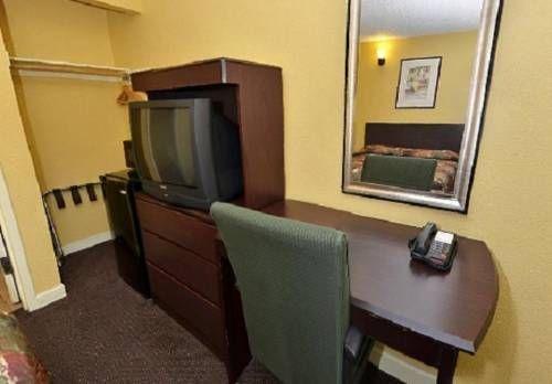 фото Americas Best Value Inn-South/ Sacramento 677449509