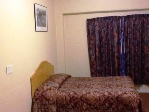 фото Travelers Hotel 677449942