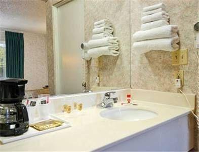 фото Super 8 San Bernardino/Hospitality Lane 677450131