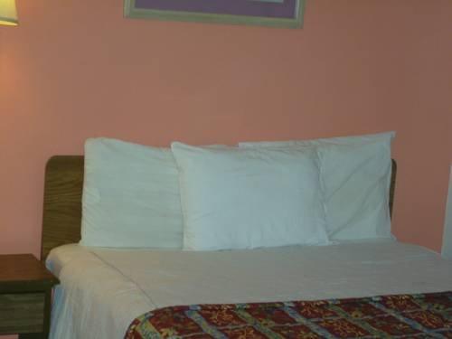 фото Sun Harbor Motel 677451881
