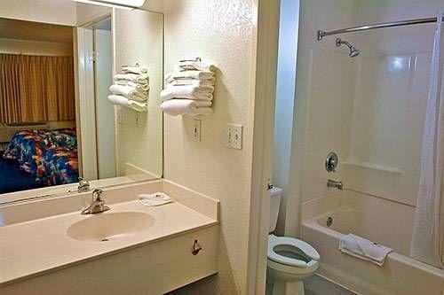 фото Motel 6 San Diego North 677452250