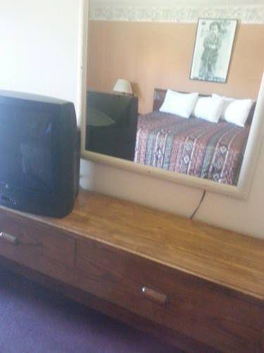 фото All Star Inn Motel 677457018