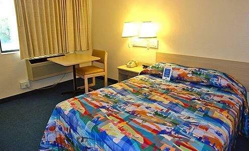 фото Motel 6 Santa Ana 677457379