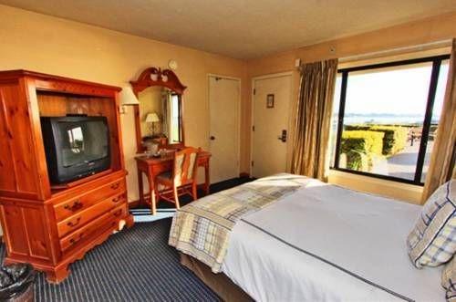 фото Sea & Sand Inn 677459135