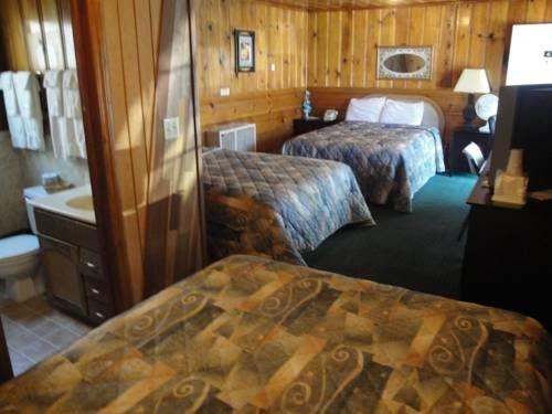 фото Pinewood Inn 677462383