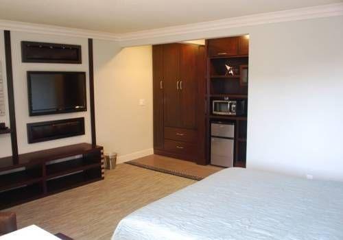 фото Friendly Hills Inn 677466407