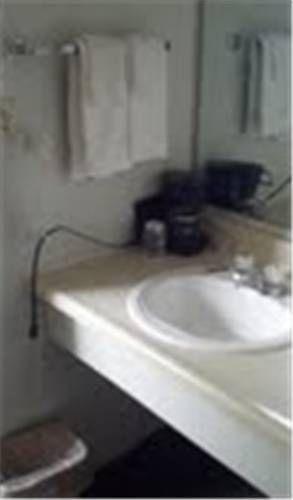 фото Grizzly Inn Motel 677467112