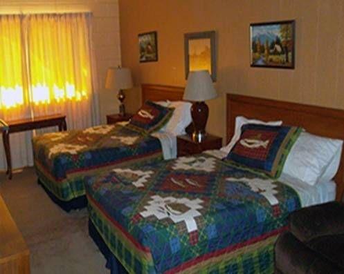 фото Holiday Motel 677468951