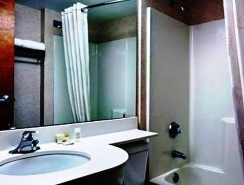 фото Best Western Plus Peak Vista Inn & Suites 677469307