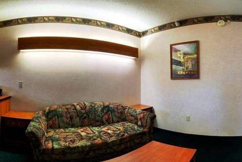 фото Best Western Plus Peak Vista Inn & Suites 677469309