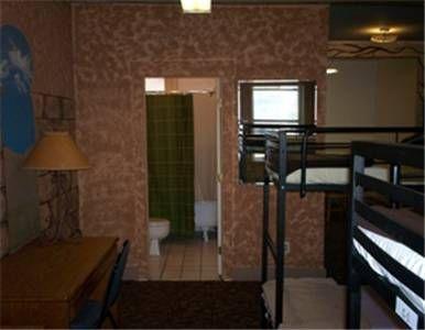 фото AAE 11th Avenue Hostel 677470447