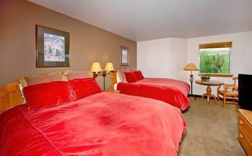фото Inn & Suites at Riverwalk 677471731