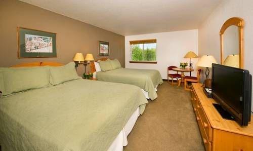 фото Inn & Suites at Riverwalk 677471732