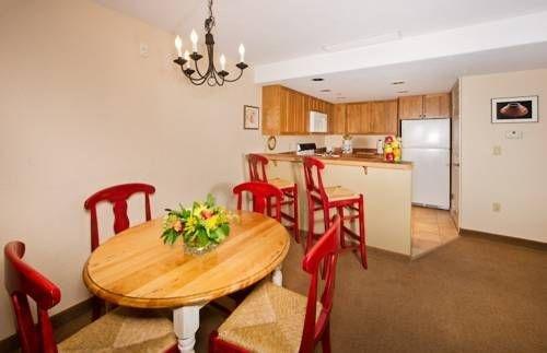 фото Inn & Suites at Riverwalk 677471734
