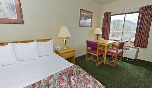 фото Travelodge Suites Estes Park 677471945